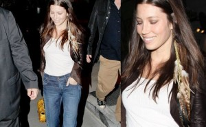 Jessica-Biel-Long-Feather-Earrings