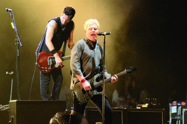 Resultado de imagem para Fotos de The Offspring e Alice Cooper para o rock in rio 2017